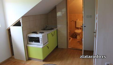 """Kuhinja i kupatilo - Kuća za odmor """"Borovi"""" Zlatar"""