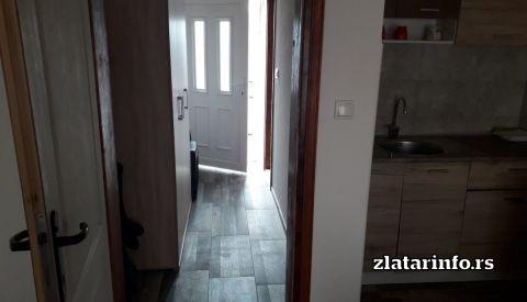 """Vila """" Popadić Zlatar - ulaz u vikendicu"""