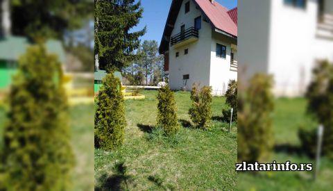 """Dvorište - Seososko domaćinstvo """"Nena"""" Uvačko jezero"""