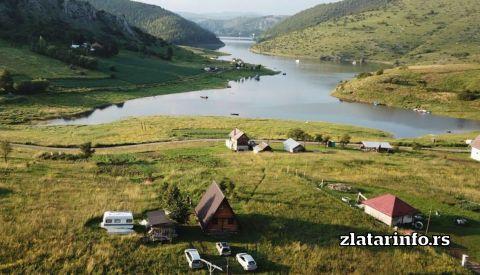 Vikendica Pustolov Uvačko jezero