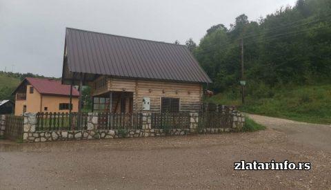 """Vikendica """"Zlatarski biser"""" Uvačko jezero"""