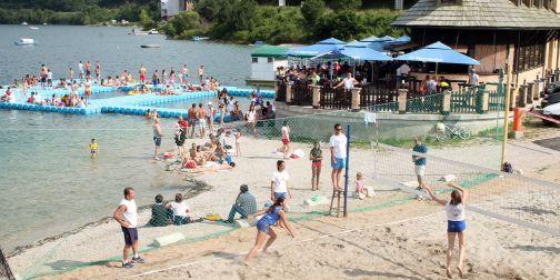 Одбојка на песку на Златарском језеру