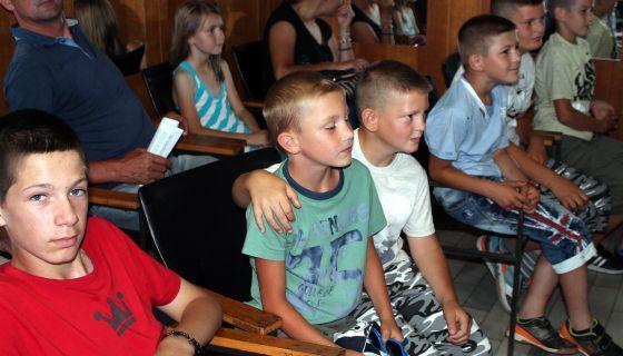 Певање извика - Брига о подмлатку Друштва – млади из засеока Муртенице