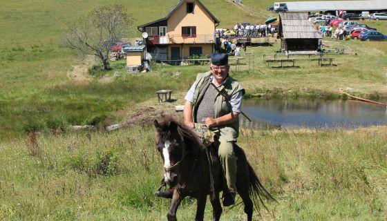 Као некада - коњаник Ђорђе Грујичић