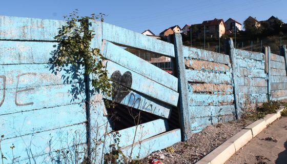 Ruglo - rusi se ograda stadiona Branosevac