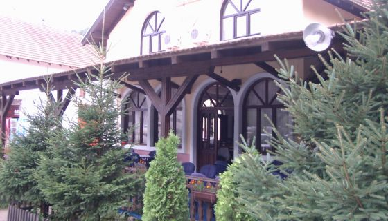 """Restorana sa prenoćistem """"Lug"""" Bistrica"""