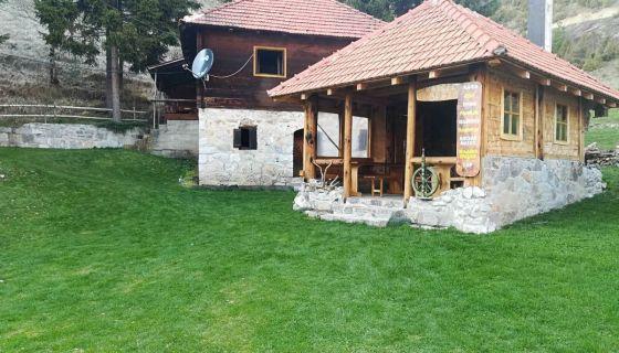 "Koliba Vrelo - Etno domaćinstvo ""Čkonjević"" Štitkovo"