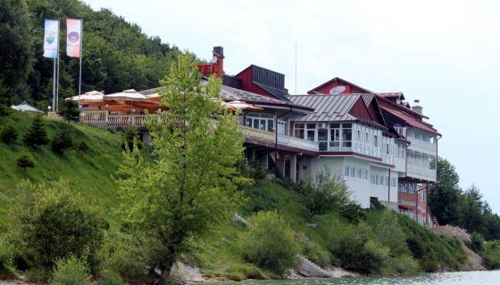 Мотел Златарско језеро