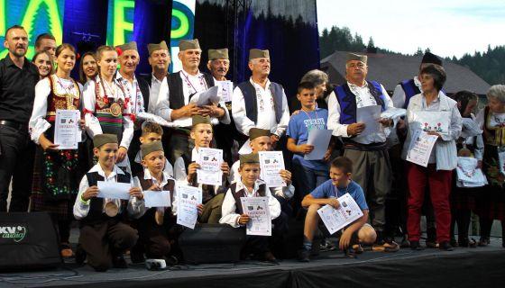 Аплаузи и награде - најуспешнији такмичари Шестог сабора