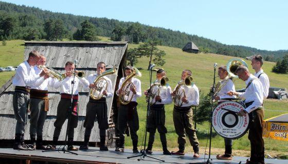 Свирај трубо, на весеље и ни за шта друго - оркестар Грујичића - Ливадафест 2016