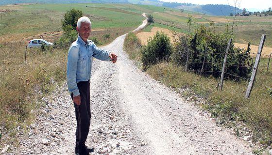 Народ ручно и запрегама градио пут,  Михаило Перошевић  из Рујишта