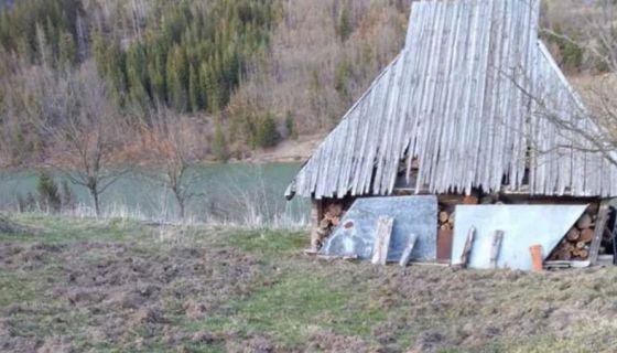 Дворишта преорана до кућних прагова Фото А. Ровчанин