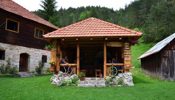 Koliba Vrelo - Etno selo Štitkovo