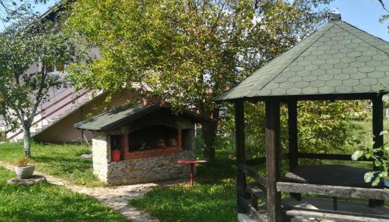 """Vila """"Vesna"""" Zlatarsko jezero"""