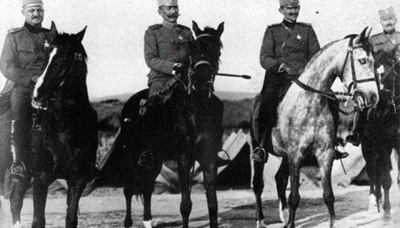 Командант рањен на првој линији