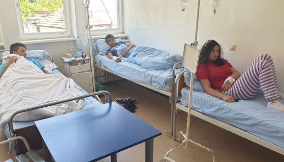 Деца под будним оком лекара, директор Зоран Дробњак,