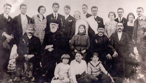 Задруга Поповића, снимљена 1930. године Фото Приватна архива