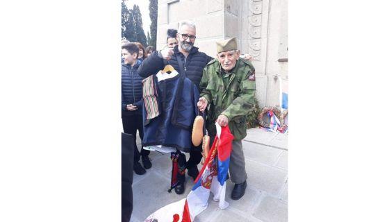 Деда Ђорђе добио народну ношњу, фото: приватна архива