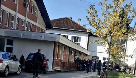 Гужва испред ковид амбуланте у Пријепољу
