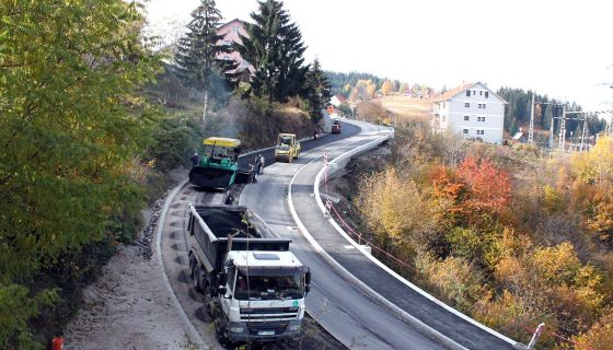 Асфалт на деоници од Браношевца до Милановца
