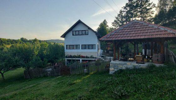"""Domaćinstvo """"Sindžirević"""" Zlatarsko jezero"""