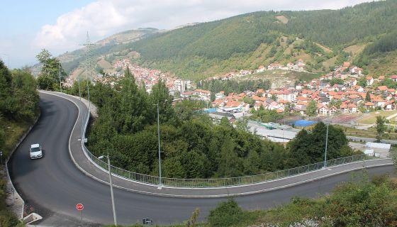 Безбедност - коловоз од 6,5 - 7,5 метара, а пешачка стаза два метра (Фото: Д. Гагричић)