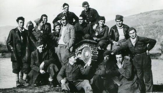 """Бивши припадници дивизије """"Венеција"""" са партизанима у Пријепољу 1943. (Фото: Књига)"""