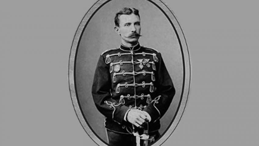 Поручник Петар Бојовић, у Паризу 1887. године